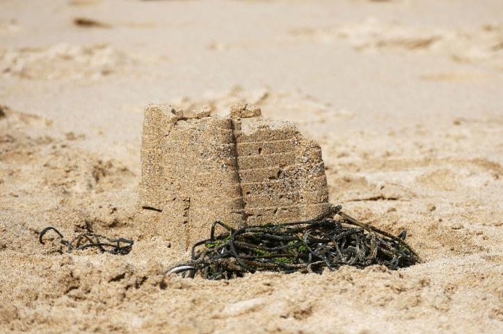 sand-castle-1599216_1280