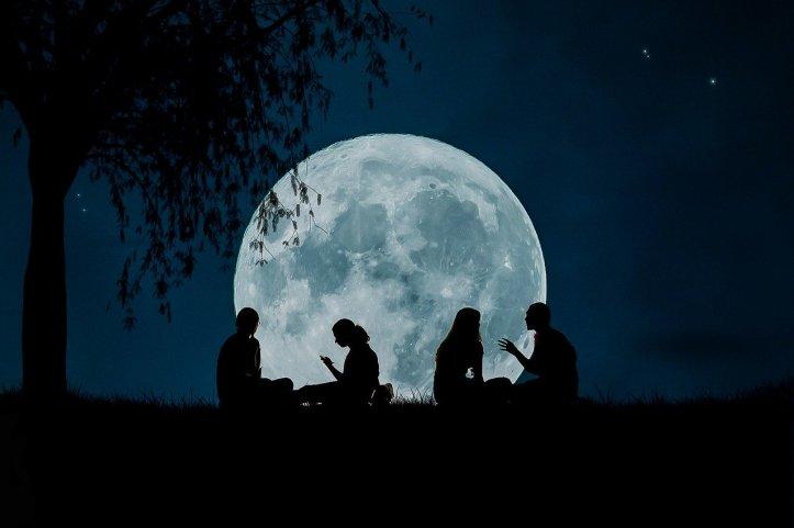 moon-2776955_1280