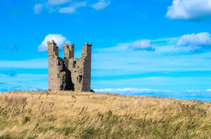 dunstanburgh-castle-2297597_1280